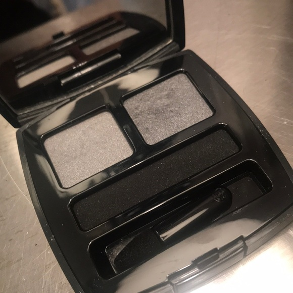 CHANEL Other - Chanel Basic Eye Color Silver/Pewter/Granite